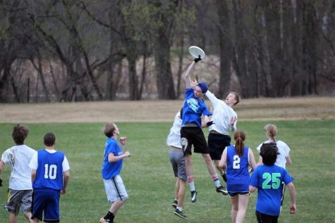 The Ultimate Team Game: Frisbee Team Prepares for the Season